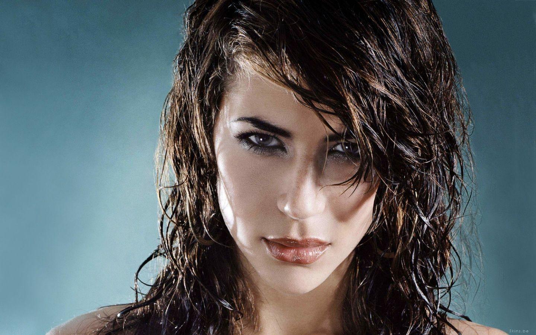 Как сделать эффект мокрых волос на длинные волосы