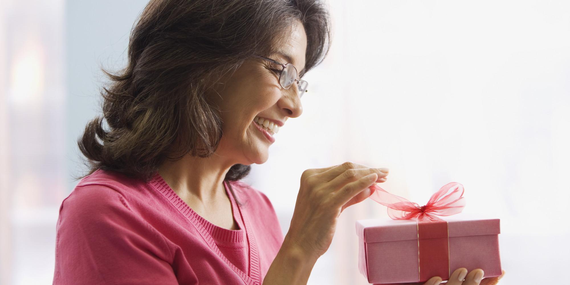 Варианты подарков маме на день рождения