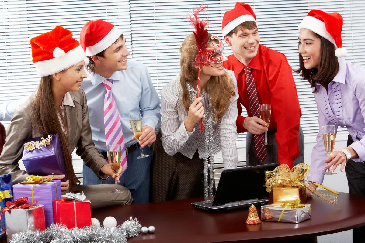 Как проводить подарки клиентам