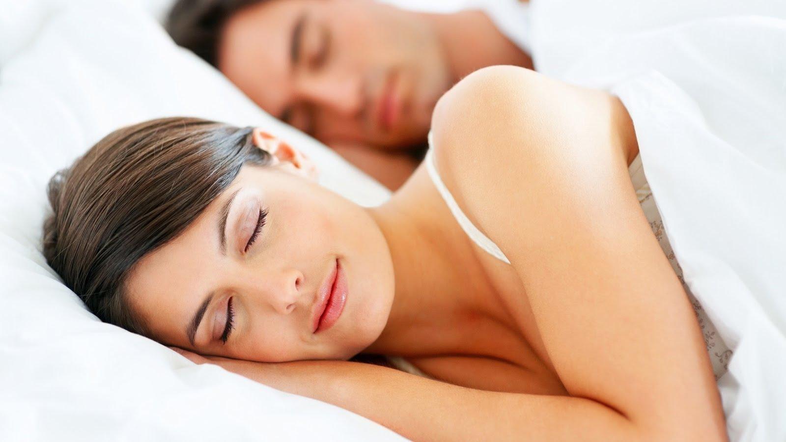 Поза, в которой вы спите, расскажет о ваших отношениях