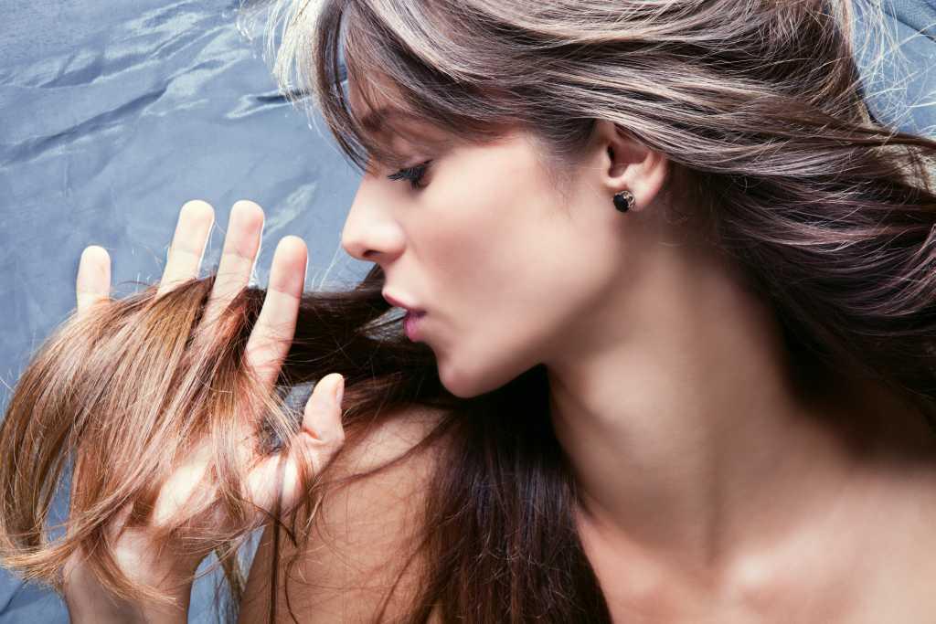 Пора лечить: 10 признаков того, что твоим волосам нужна помощь