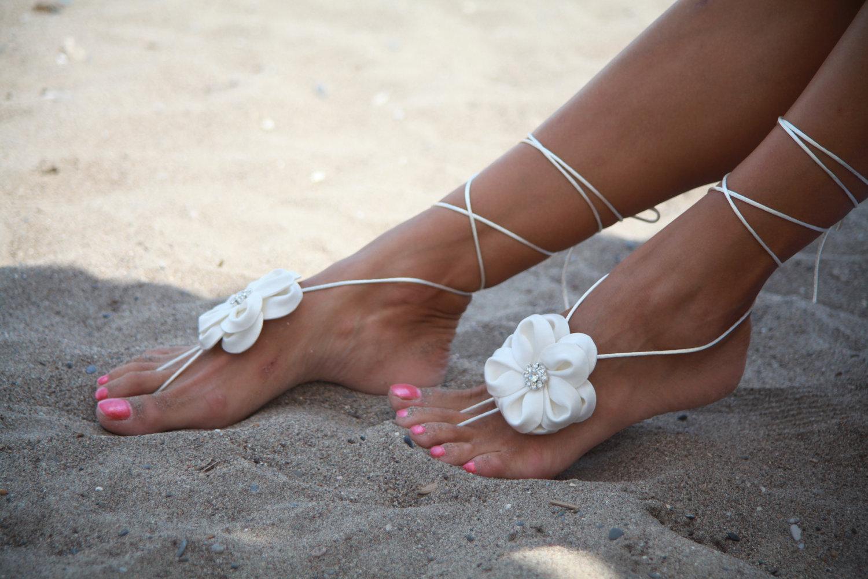 Модный педикюр для пляжа 2017